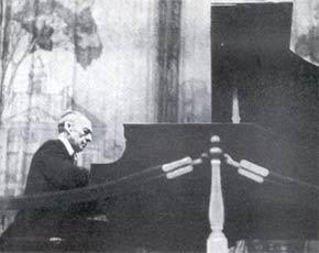 С.В. Рахманинов за роялем. Конец 1930-х гг.